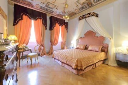Piazza Pitti Palace Residenza dEpoca
